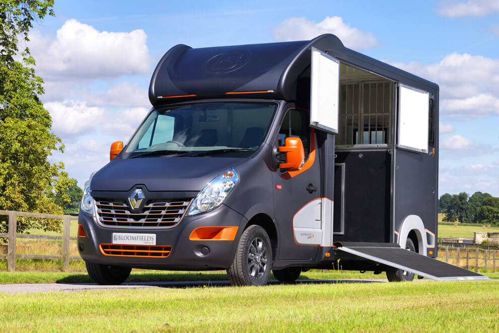 Bloomfields Horseboxes / Legacy S