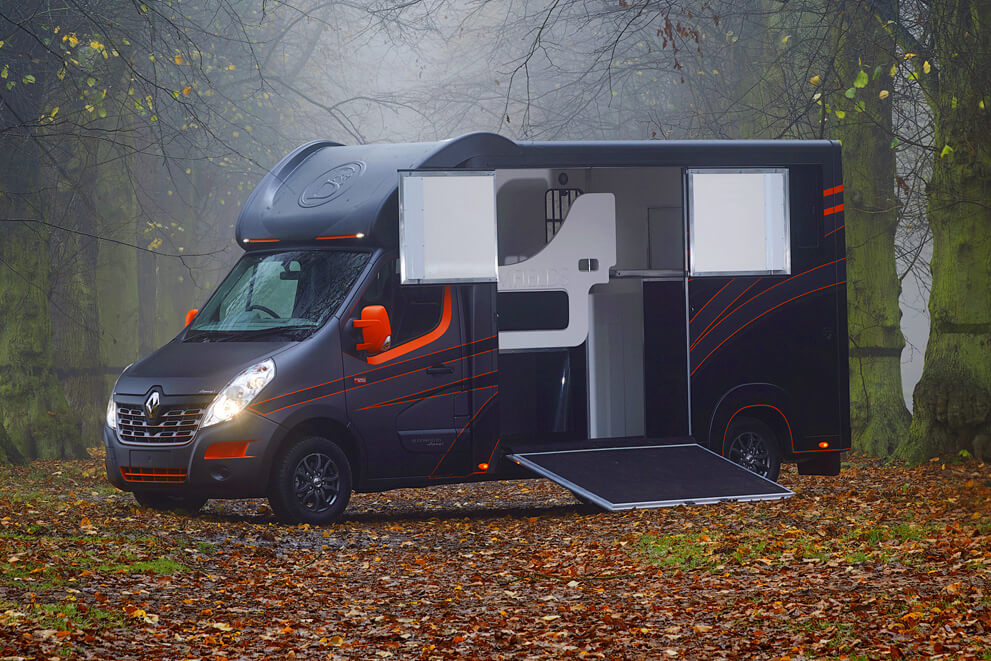 Bloomfields Horseboxes / Legacy SL