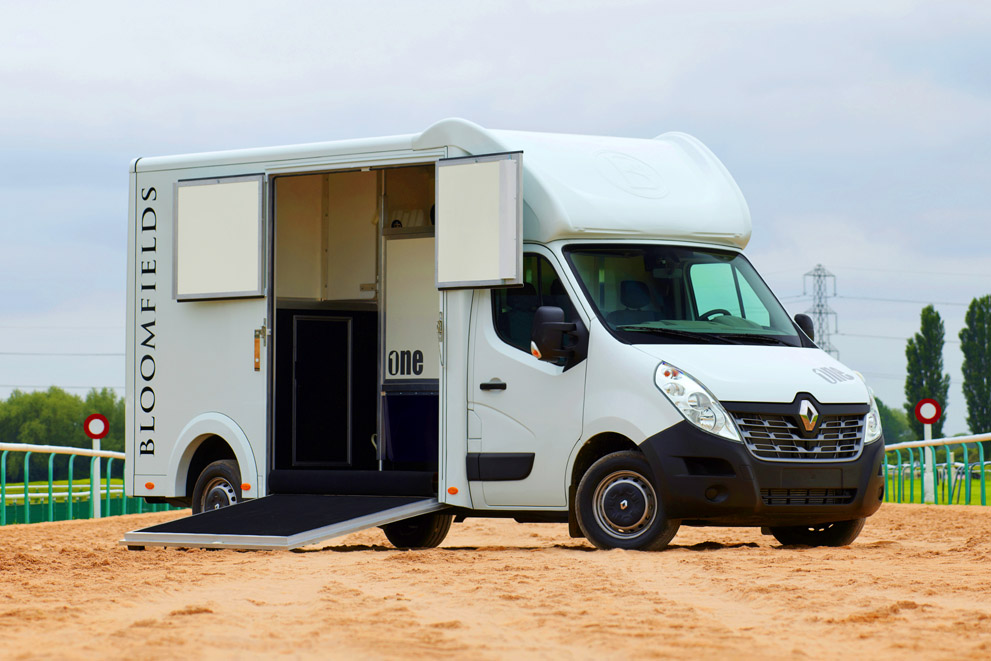 Bloomfields Horseboxes / The One